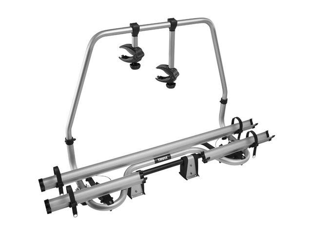 Thule Caravan Smart er en cykelholder til 2 cykler til montering på træktøjet. Cykelholderen har lås på platformen for beskyttelse af cykel og cykelholder under transport. Monteret på vogn