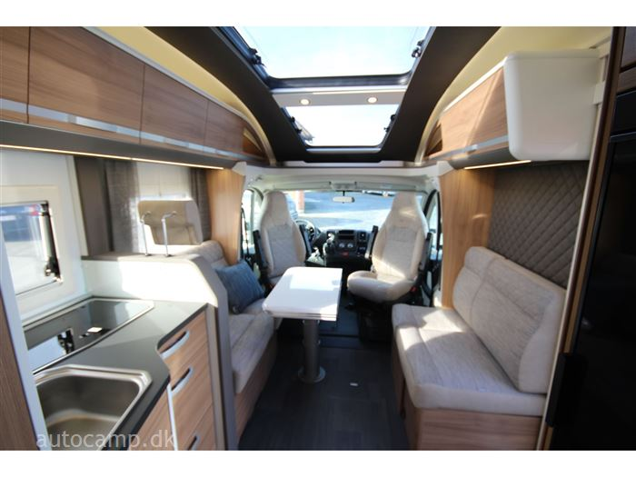 Adria Coral AXESS S 670 DL