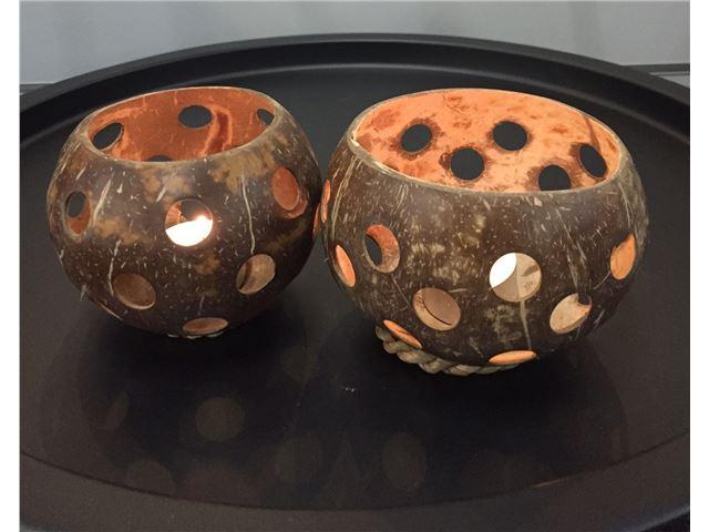 Fyrfadsstage lavet af cocos.