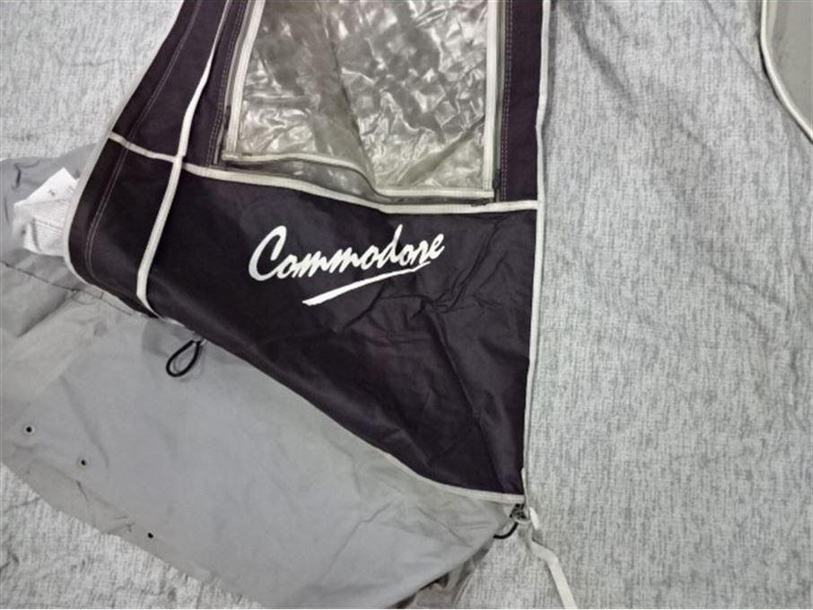 Commondore 1050