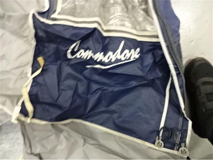 Commondore 1025