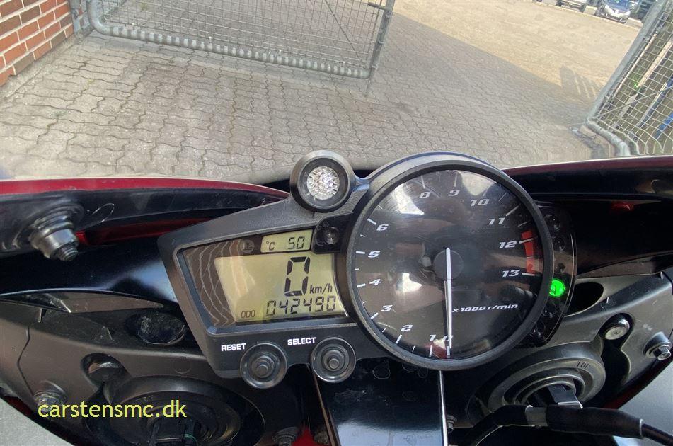 Yamaha YZF R1 Sport