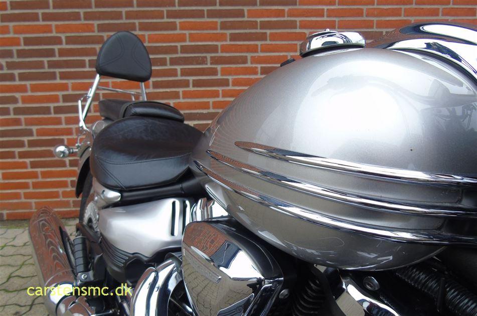 Yamaha XV 1900   Midnight Star Cruiser