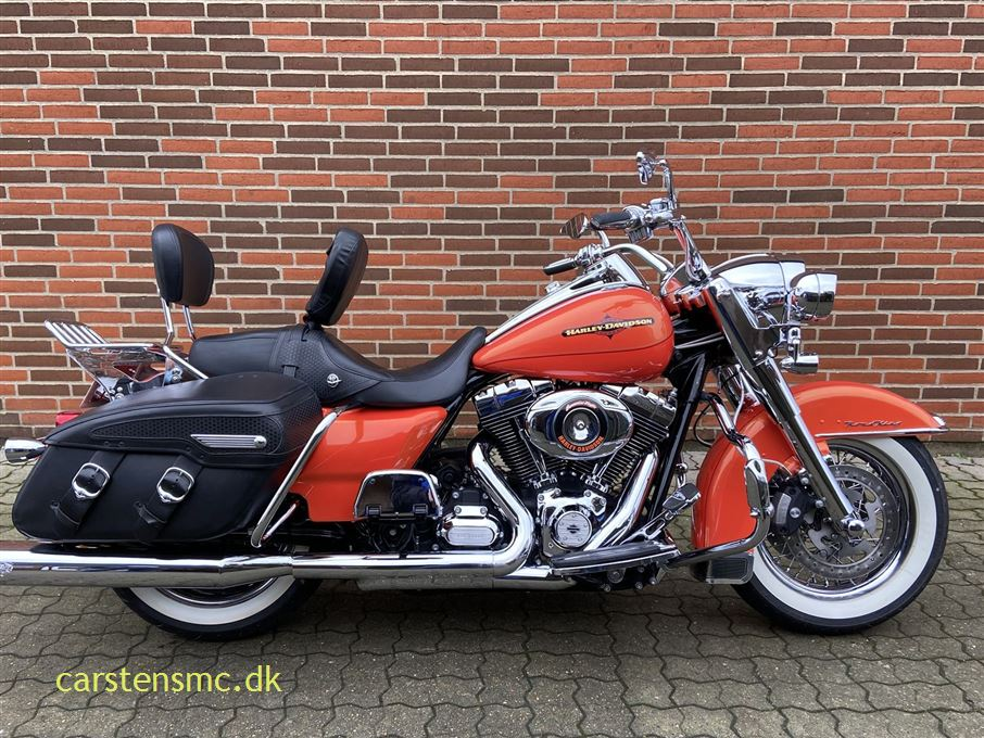 Harley-Davidson FLHRC Road King Classic Tequila Sunrise