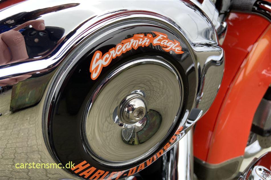 Harley-Davidson FLHRC Road King Classic Tequila Sunrise