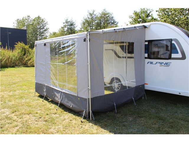 Wecamp Front 4,4 t/Fiamma Caravanstore posemarkise